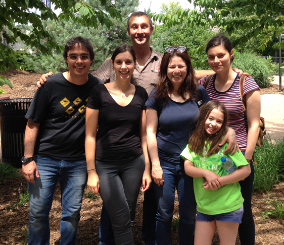 Dalia and team at the Species360 volunteer event at Como Zoo. Left to right: Professor Fernando Colchero, Rita da Silva, Dr. Lionel Jouvet, Dr. Dalia Conde, Dalia's daughter Imma, and Johanna Stärk (Photo by Julie Yamamoto)