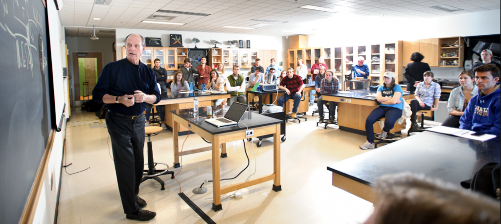 Dr. Robert Ballard speaks with Marine Biology and Geomicrobiology students in the Taylor Science Center, Hamilton College